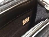 CHANEL香奈兒包包:商品編號:77033712  💰7600 Ohanel香奈兒春夏新款羊皮拼色雙C 大LOGO 二折款錢包  -  1.jpg