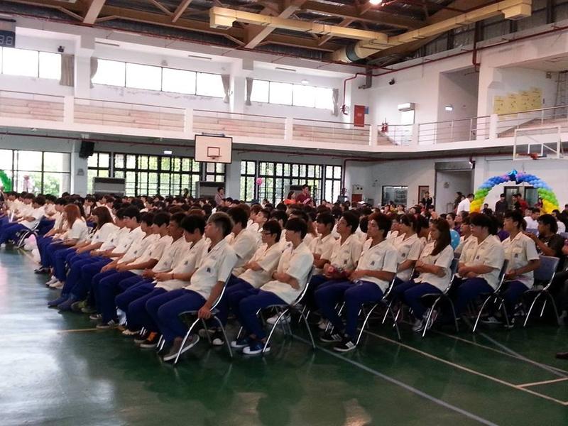 2013/06/09大少爺高中畢業了:998377_595348297152279_272336941_n.jpg