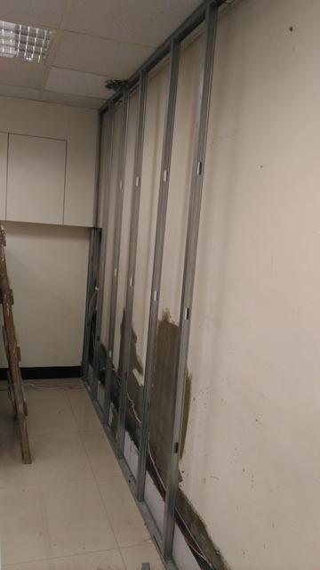 辦公室.隔間.隔音.防火.輕鋼架.木工裝潢.油漆.拆除清運. 土木工程泥工.泥作.房屋裝修.油漆粉刷:照片05 221.jpg