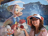 98.7.12 In LA~ Disneyland:IMG_4784.JPG