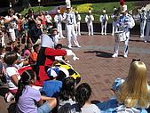 98.7.12 In LA~ Disneyland:IMG_4761.JPG