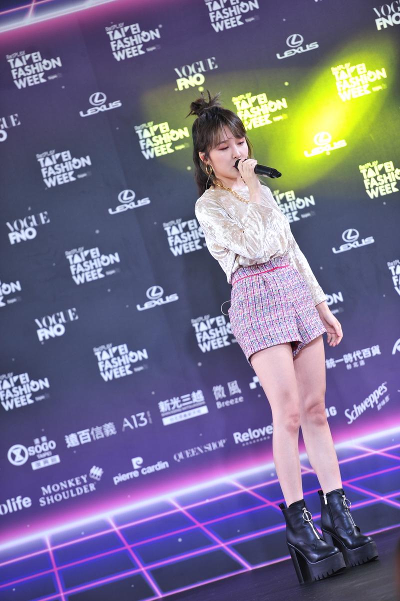 [正妹] 台北時裝週歌手