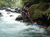 0618溯溪-阿玉溪:大家拉繩索過激流