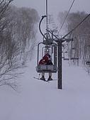 20060225~3/3日本志賀高原:Carol撘纜車還在想等會怎麼下山