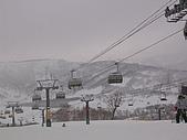 2006年2月6日苗場:有蓋子的纜車好舒服