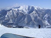 2006年2月6日苗場:坐在山頂看那頭的山