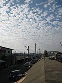 20090208 苗栗後龍好望角:10. 十七公里海岸線中的一段民宅.jpg