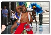 天使‧天堂:男舞者大膽原始的森巴舞姿