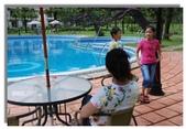 天使‧天堂:晶園休閒渡假村泳池旁小憩