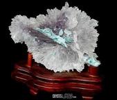 艾文拍的美美水晶:紫晶花背面