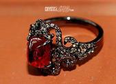 艾文拍的美美水晶:誓約-寶石紅尖晶石鑲鑚黑K金古典戒指