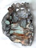 艾文拍的美美水晶:可吸收掉病氣與負面能量的骨幹水晶--一顆顆壘晶的結晶像不像鱷魚皮呢?