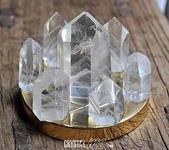 艾文拍的美美水晶:白幽靈水晶柱七星陣(銅盤)