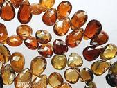 艾文拍的美美水晶:蜜火--桔色碧璽水滴晶鑚項鍊特寫