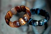 艾文拍的美美水晶:虎眼石與藍虎眼石手珠