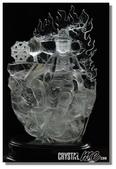 艾文拍的美美水晶:天然白水晶觀自在菩薩像--法相秀氣莊嚴,上半部白水晶晶瑩剔透,所以背光雕刻細緻生動,菩薩右手有白蓮與霧面處理的