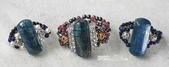 艾文拍的美美水晶:藍晶石版珠手編戒指,每一個的戒環都用不一樣的材質喔!