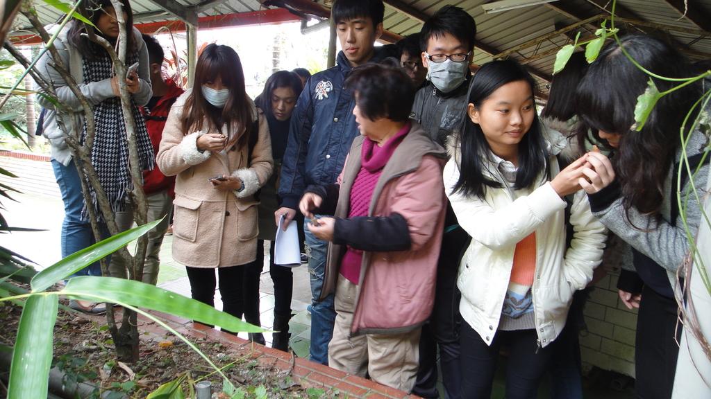 103年12月17佛光大學未來與樂活產業學系到大安藥園休閒農場進行參訪活動:DSC07820.JPG