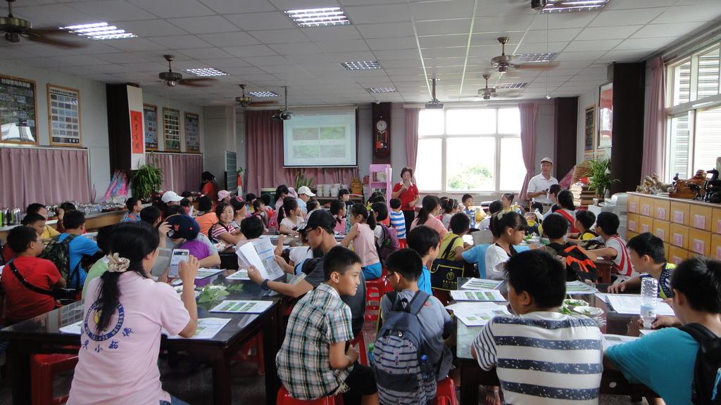 103年8月12日羅東小哈佛補習班到大安藥園休閒農場進行戶外教學活動:DSC06372.JPG