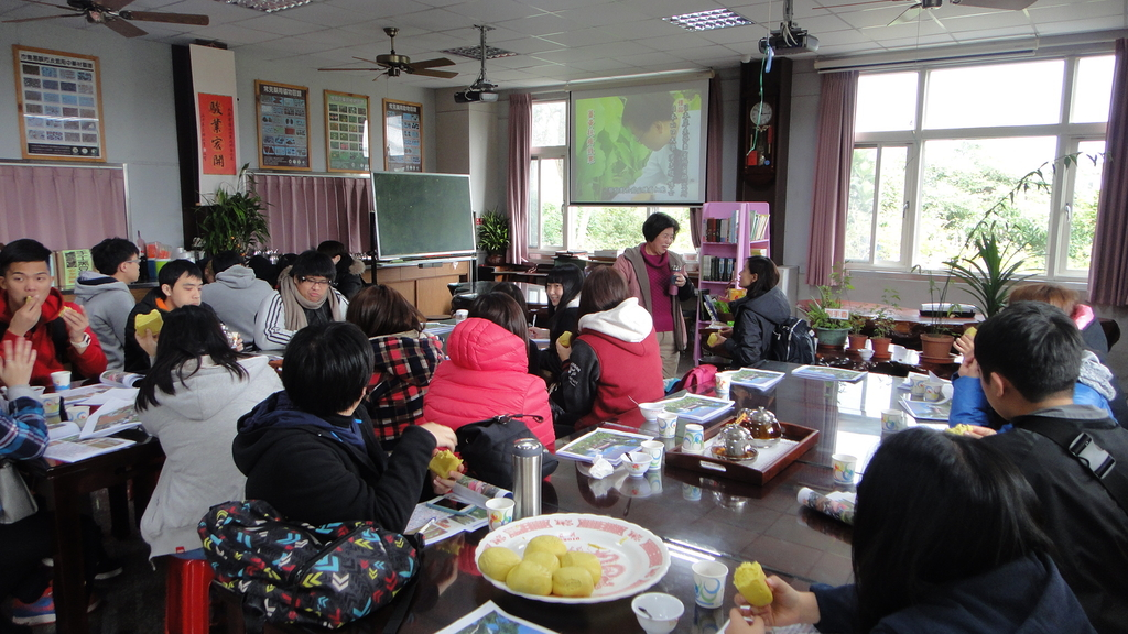 103年12月17佛光大學未來與樂活產業學系到大安藥園休閒農場進行參訪活動:DSC07801.JPG