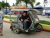 2008.11.19:這真的是迷你計程車 ~ 據說可容8人~ 呼