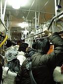 九州福岡-01/26:03_crowded bus.JPG