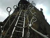 09-08-26平溪孝子山、嶺腳觀景亭、十分眼鏡洞:孝子山 夠陡吧