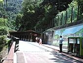 10-08-03 烏來碧潭:台車瀑布站