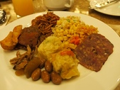 2010.09.16 in 馬來西亞:027-2禮晶海上VILLA-早餐.jpg