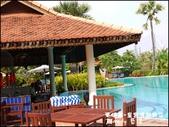 2011.04.10~11 柬埔寨&胡志明市:01-013-柬埔寨皇宮渡假飯店泳池.jpg