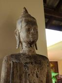 2011.04.10~11 柬埔寨&胡志明市:04-050-吳哥窟-皇宮渡假村-大廳雕像.JPG