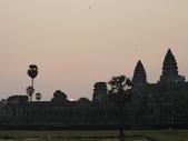 2011.04.07 in柬埔寨-吳哥窟:02-003-吳哥窟-小吳哥看日初.JPG