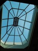 2011.04.10~11 柬埔寨&胡志明市:02-012-吳哥窟-皇宮渡假村-其中一棟屋頂.JPG