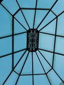 2011.04.10~11 柬埔寨&胡志明市:02-013-吳哥窟-皇宮渡假村-其中一棟屋頂.JPG