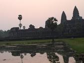 2011.04.07 in柬埔寨-吳哥窟:02-004-吳哥窟-小吳哥看日初.JPG