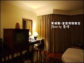 2011.04.10~11 柬埔寨&胡志明市:02-002-柬埔寨皇宮渡假飯店晚上房間.jpg