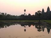 2011.04.07 in柬埔寨-吳哥窟:02-006-吳哥窟-小吳哥看日初.JPG