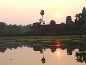 2011.04.07 in柬埔寨-吳哥窟:02-012-吳哥窟-小吳哥看日初.JPG