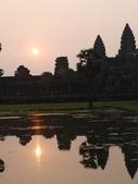 2011.04.07 in柬埔寨-吳哥窟:02-015-吳哥窟-小吳哥看日初.JPG