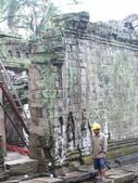 2011.04.09 in柬埔寨-吳哥窟:01-019-吳哥窟-塔普倫寺-修復中.JPG