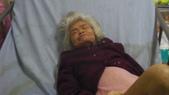 長照及居家機構等陳敘相關證照:現已雙腿完全無法行走癱瘓在床的表姊母親目前的樣子
