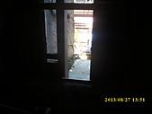 台北市大龍街79李男等惡鄰滋事相關照:大龍街79巷國宅樓梯間牆的兩面都有開大窗照