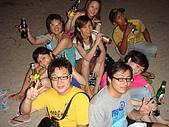 052508@Bali:夜晚到kuta beach 喝酒.JPG