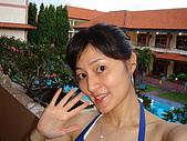 052508@Bali:一早一個人就自己起來自拍一下.JPG