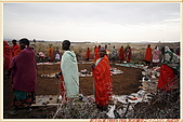 3.東非獵奇行-肯亞-馬賽人村落:_MG_0023肯亞_馬賽人村落_地攤販售馬賽人飾物紀念物.jpg
