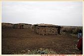 3.東非獵奇行-肯亞-馬賽人村落:_MG_0024肯亞_馬賽人村落_原始茅草屋頂泥土牆,廣場是供給牲