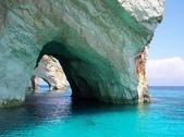 世界上最迷人的50個地方,你去過嗎?來看看!:希臘紮金索斯島的藍洞.jpg