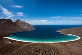 世界上最迷人的50個地方,你去過嗎?來看看!:亞塔斯馬尼亞州菲瑟涅國家公園的酒杯灣.jpg