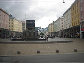 挪威-卑爾根采風(12)-北歐風情初訪掠影Beargen :DSC09349挪威-卑爾根-Torga Imenningen廣場_水手紀念碑.JPG
