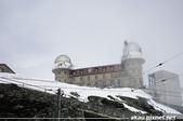 瑞士鐵道阿爾卑斯山漫遊12天之旅-6 高納葛拉特(Gornergrat)景觀台賞冰河:這座巨大的天文台很像城堡啊!且是歐洲最高的天文台.JPG